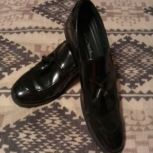 Thom McAn Dress Shoes/ Young men